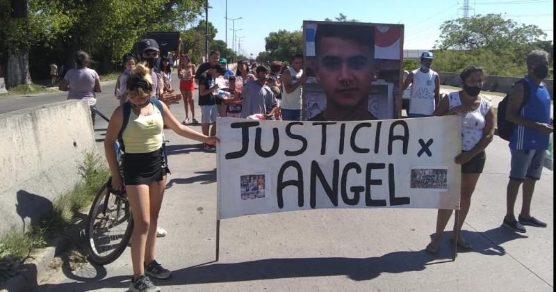 Familiares y amigos del joven se movilizaron para pedir justicia