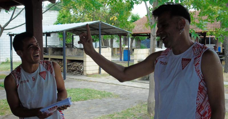 Bossi alegró la mañana del entrenamiento milrayitas