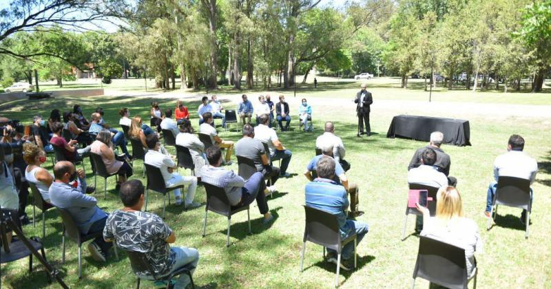 La firma del convenio se realizó en la Quinta de San Vicente