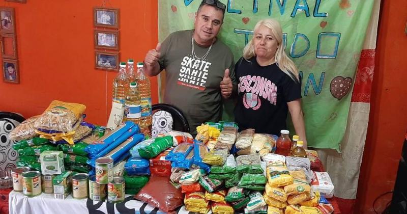 Lorena y su marido Fabio se encargan de buscar donaciones