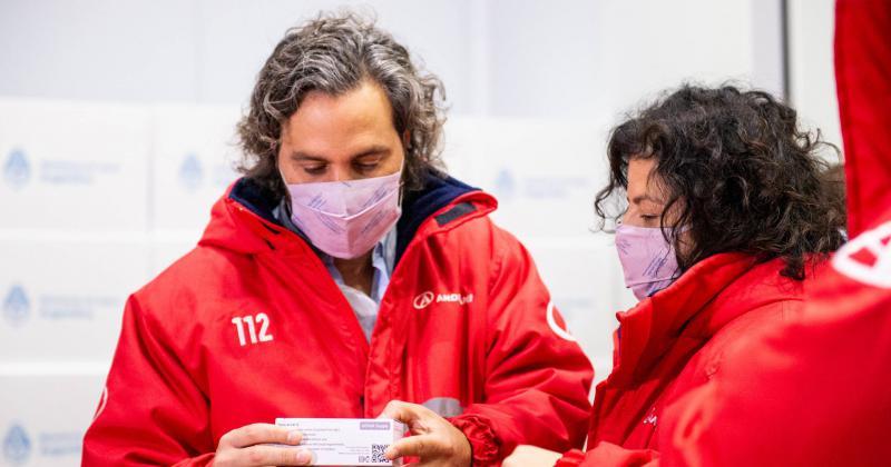 Cafiero y Vizzotti durante la llegada de nuevas vacunas