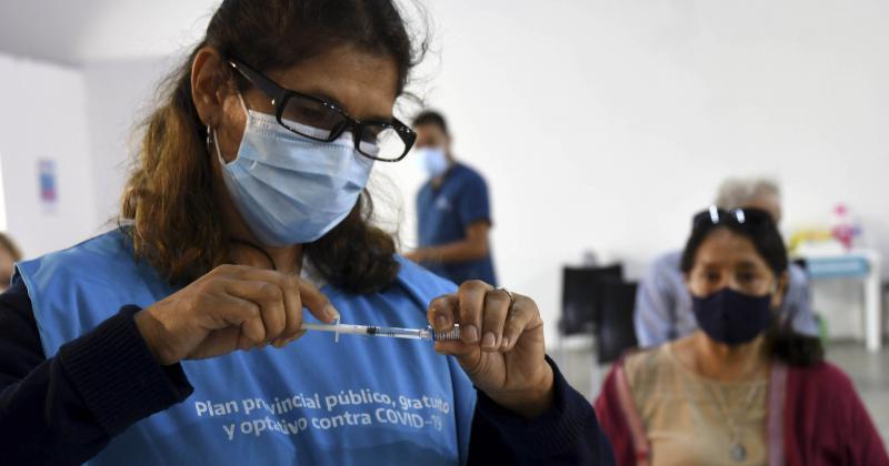 Mientras avanza la campaña de vacunación