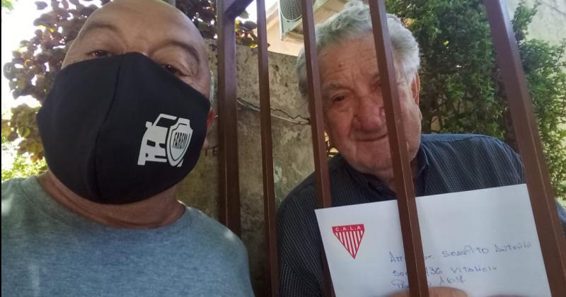 Los Andes reconoció al socio vitalicio y modelo viviente