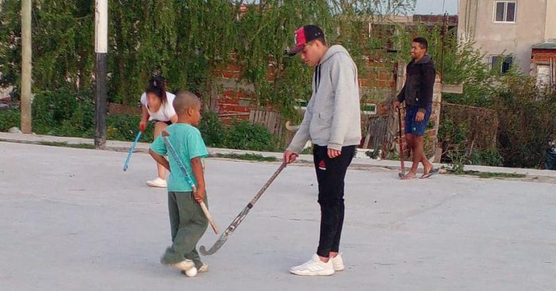Los chicos ya pueden disfrutar del hockey otra vez